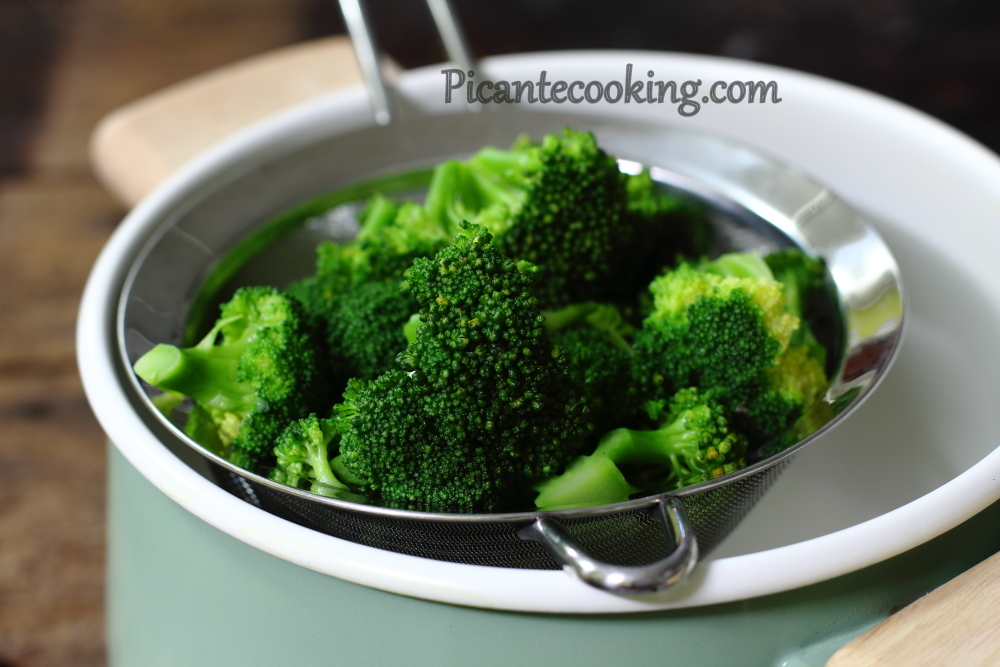 Broccoli raisins salad4.JPG