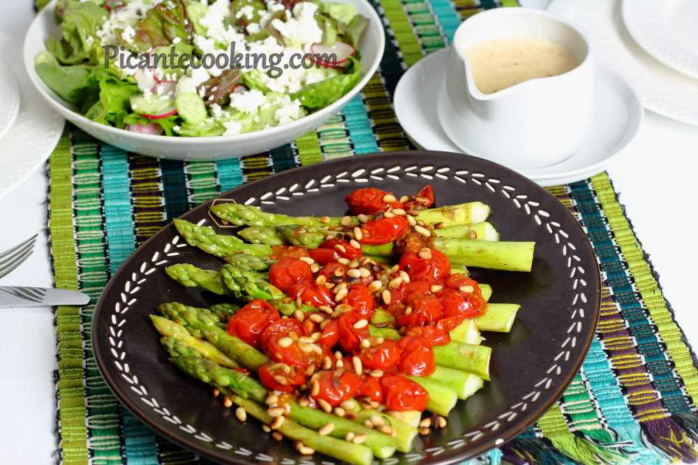 Asparagus_with_tomatoes7.JPG
