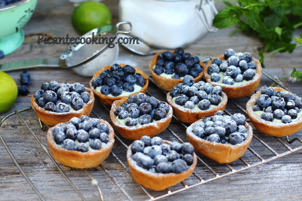 mascarpone bluberries tartlets6.JPG