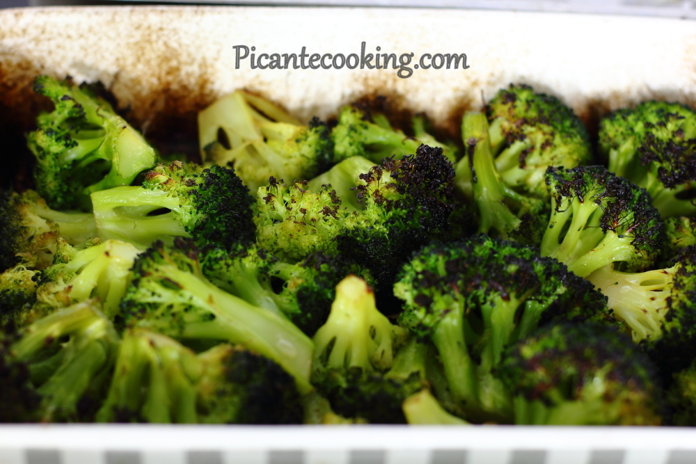 Roasted broccoli with sesame 5.JPG