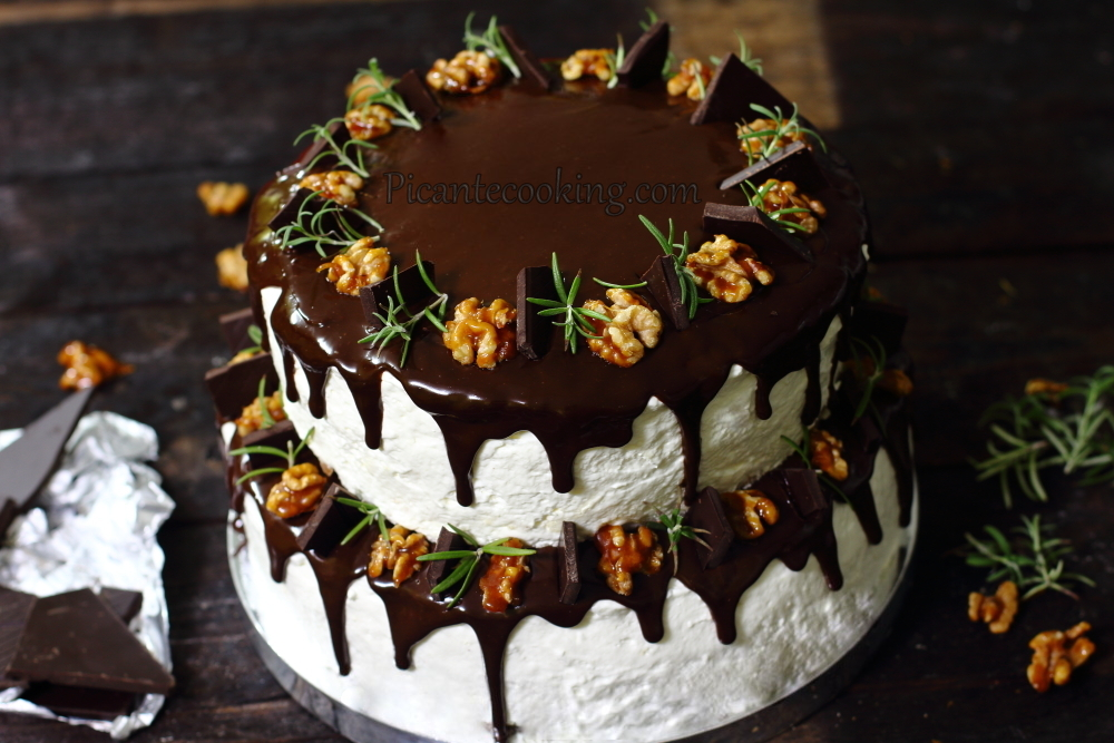 Two storeyed cake24.JPG