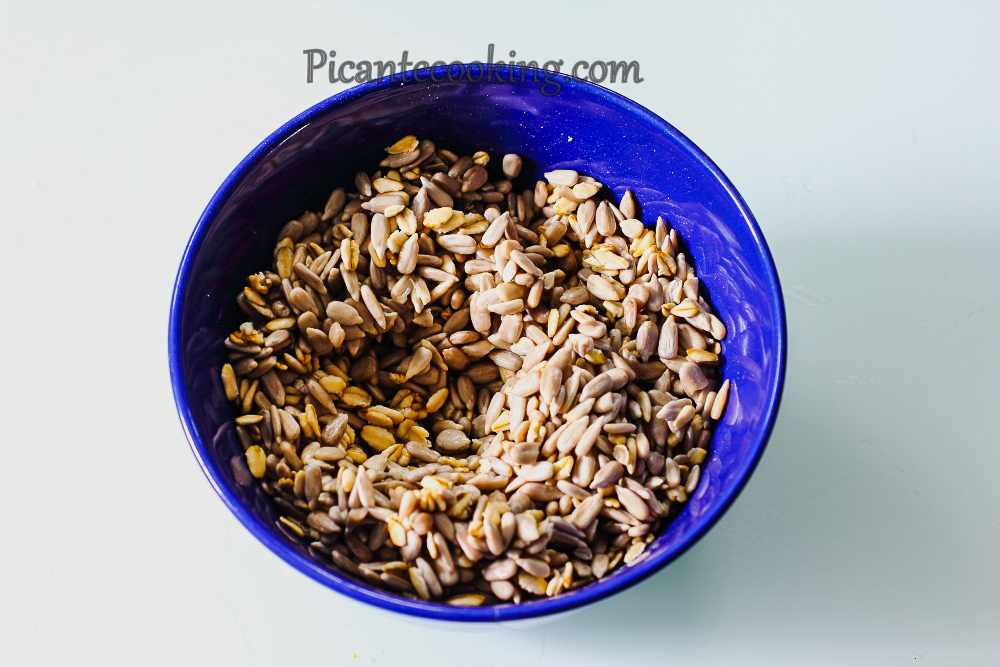 Seed_and_oats_bread3.jpg