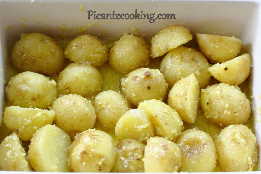 New_potatoes_with_parsley4.JPG