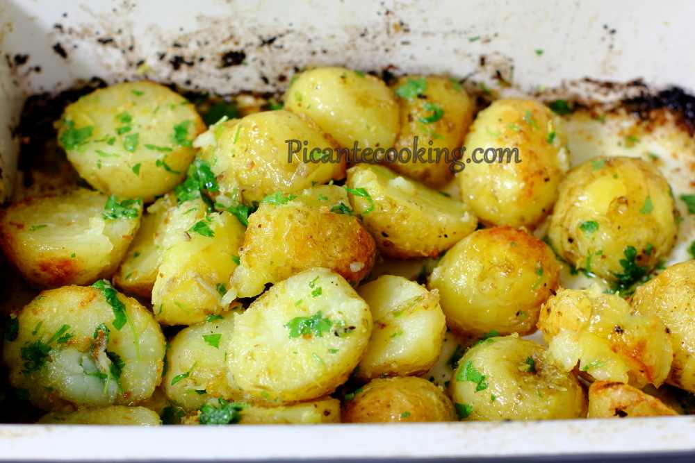 New_potatoes_with_parsley6.JPG