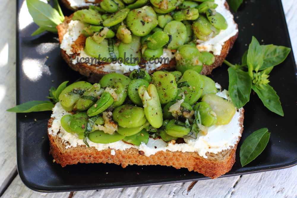 Bruschetta_with_ricotta&beans10.JPG