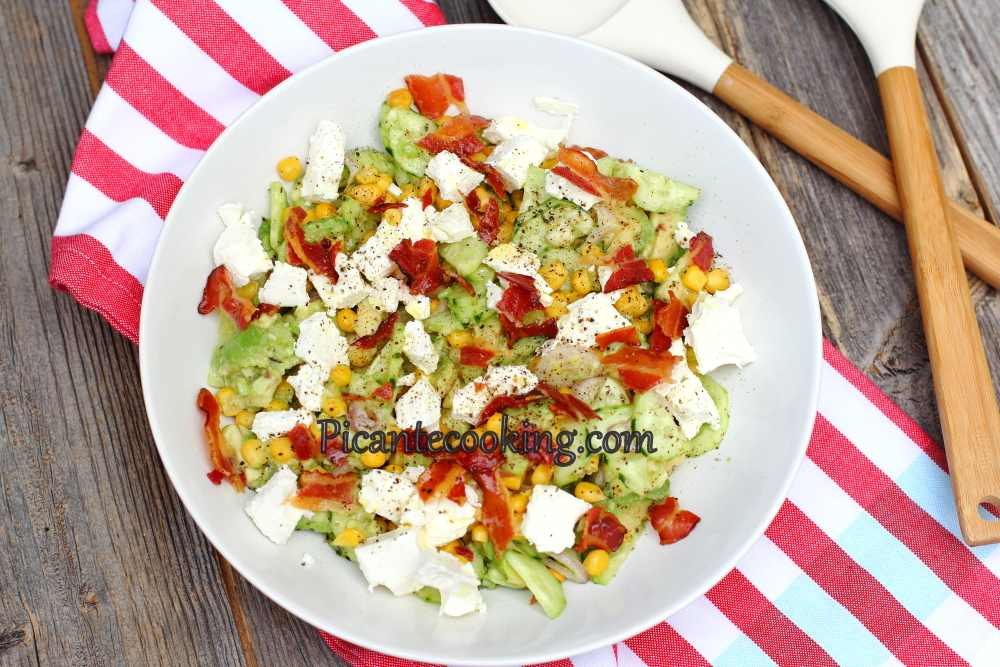 salad_with_avocado_and_bacon8.JPG