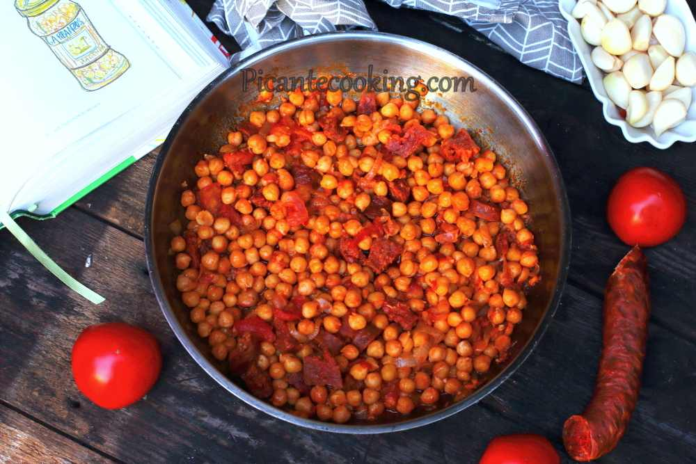 Spanish_chickpea_with_chorizo5.JPG
