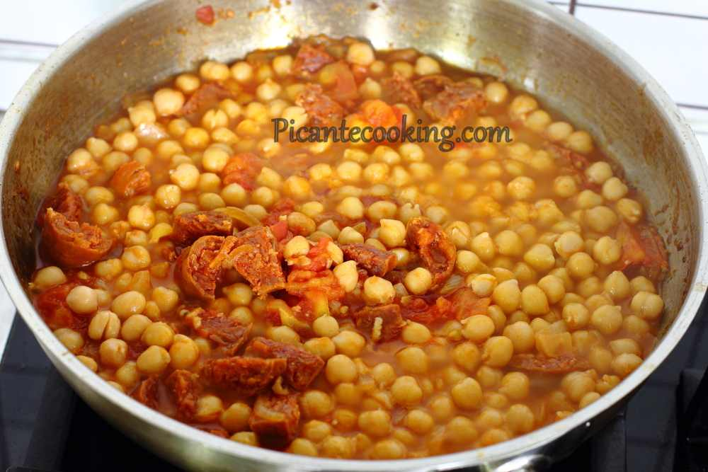Spanish_chickpea_with_chorizo4.JPG