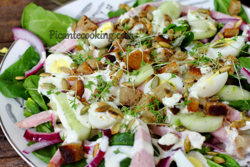 Salat_with_ham_and_quail_eggs9.JPG