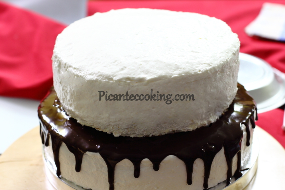 Two storeyed cake20.JPG