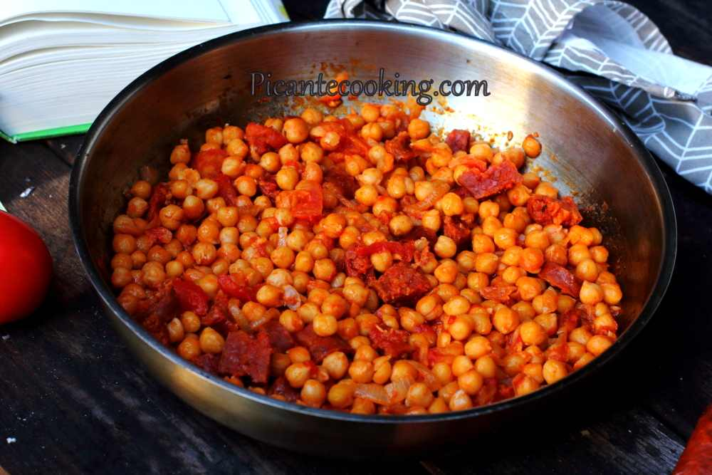 Spanish_chickpea_with_chorizo12.JPG