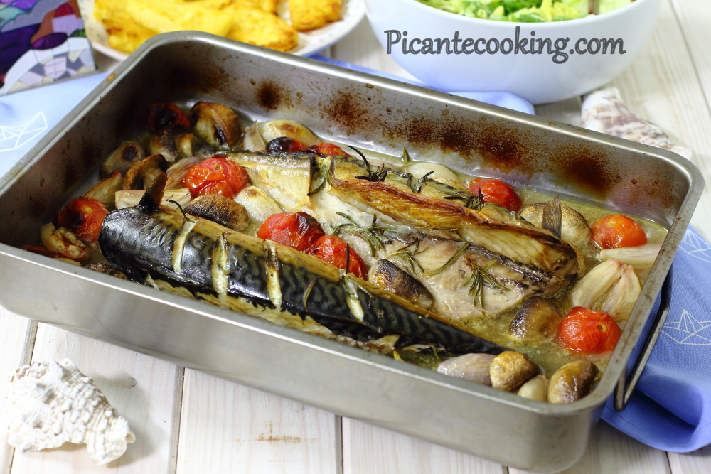 Mackerel with wine and tomatoes3.JPG