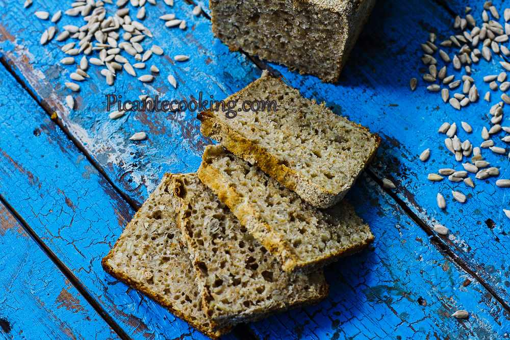 Seed_and_oats_bread11.jpg
