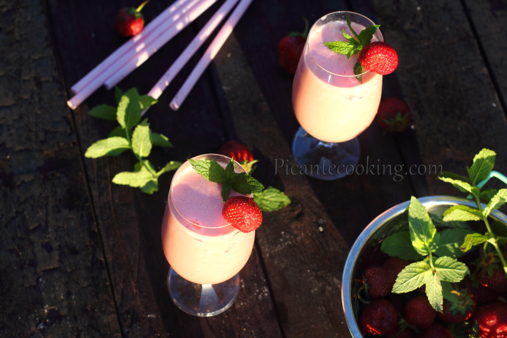 strawberry cocktail8.JPG