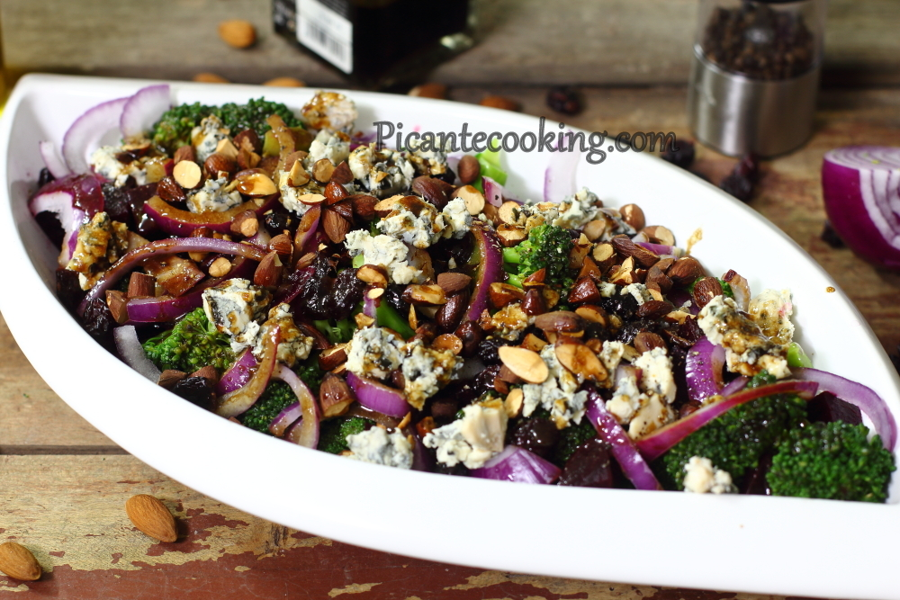 Broccoli salads with blue cheese9.JPG