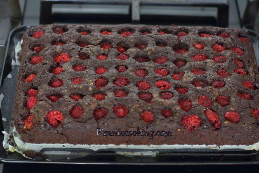 brownies_with_raspberries25.JPG