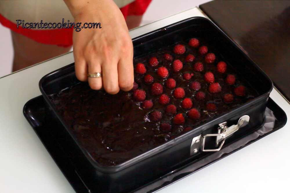 brownies_with_raspberries18.JPG