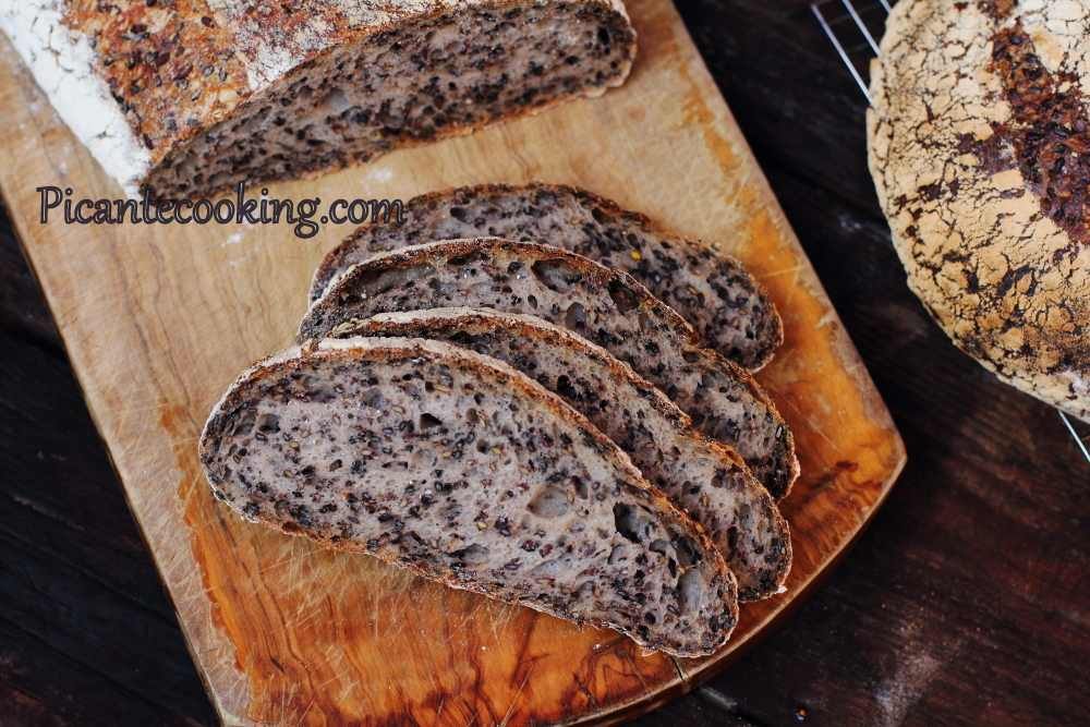 Seeded_sourdough_bread19.JPG