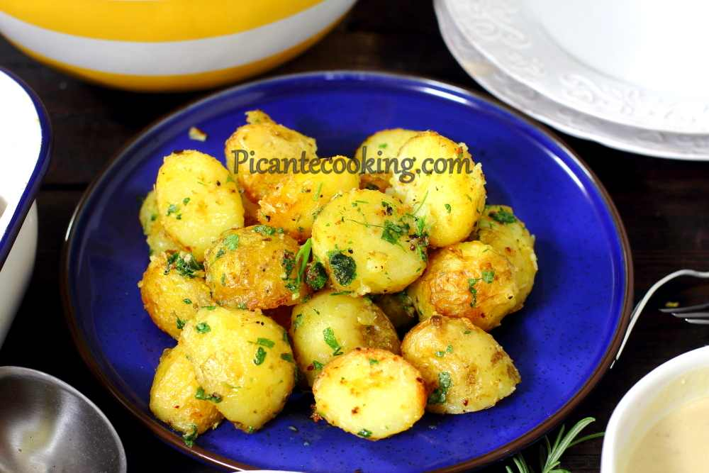 New_potatoes_with_parsley7.JPG