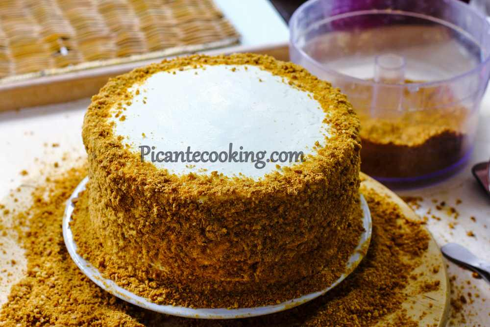 honey_cake_with_prunes13.jpg