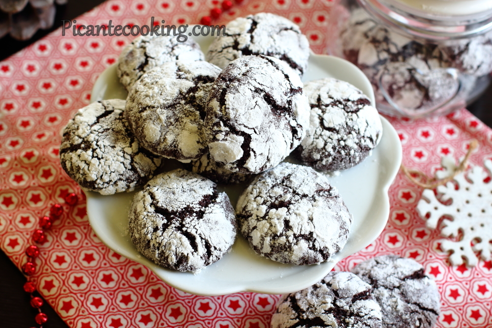 Chocolate crinckle cookies12.JPG