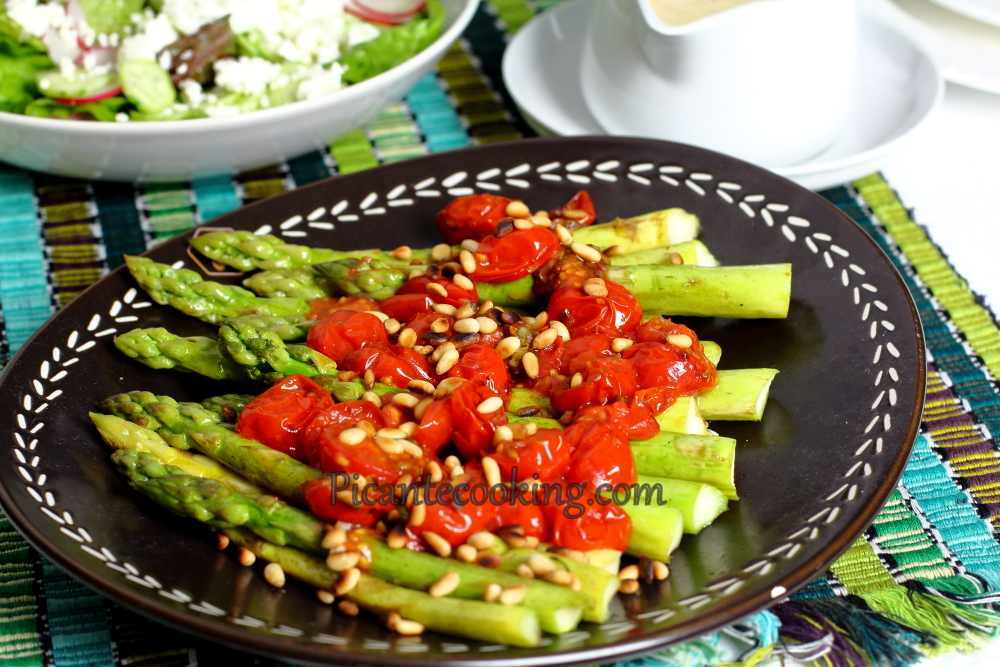 Asparagus_with_tomatoes5.JPG