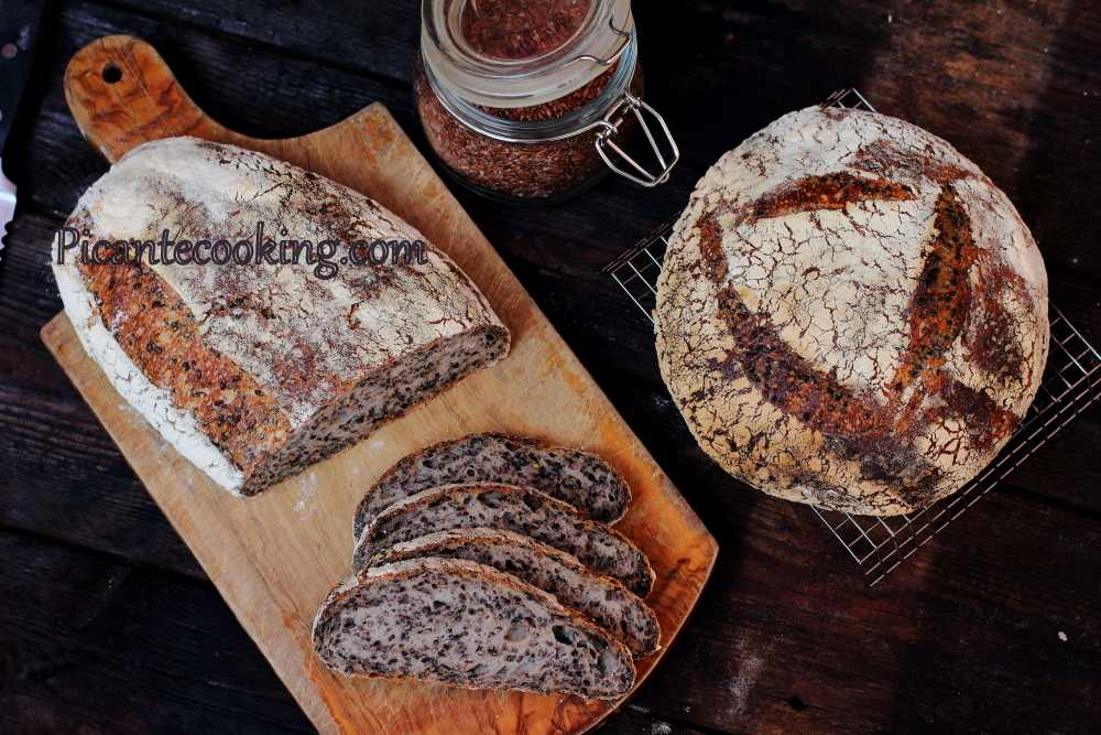 Seeded_sourdough_bread13.JPG