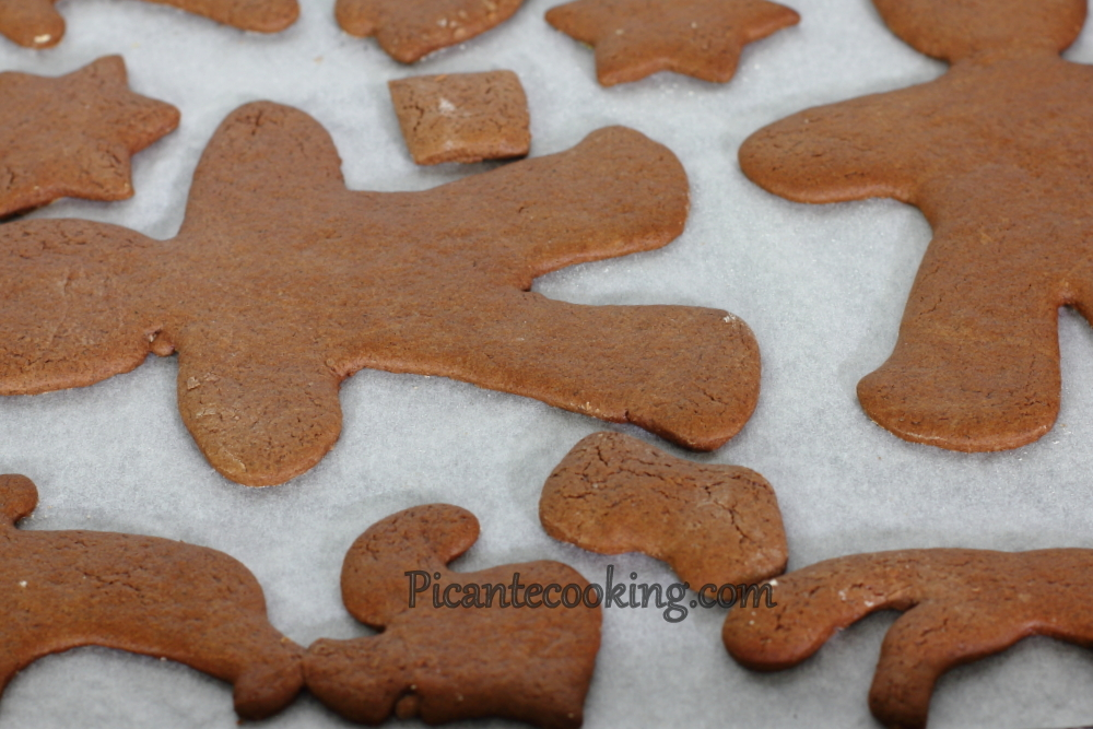 chocolate gingerbread8.JPG