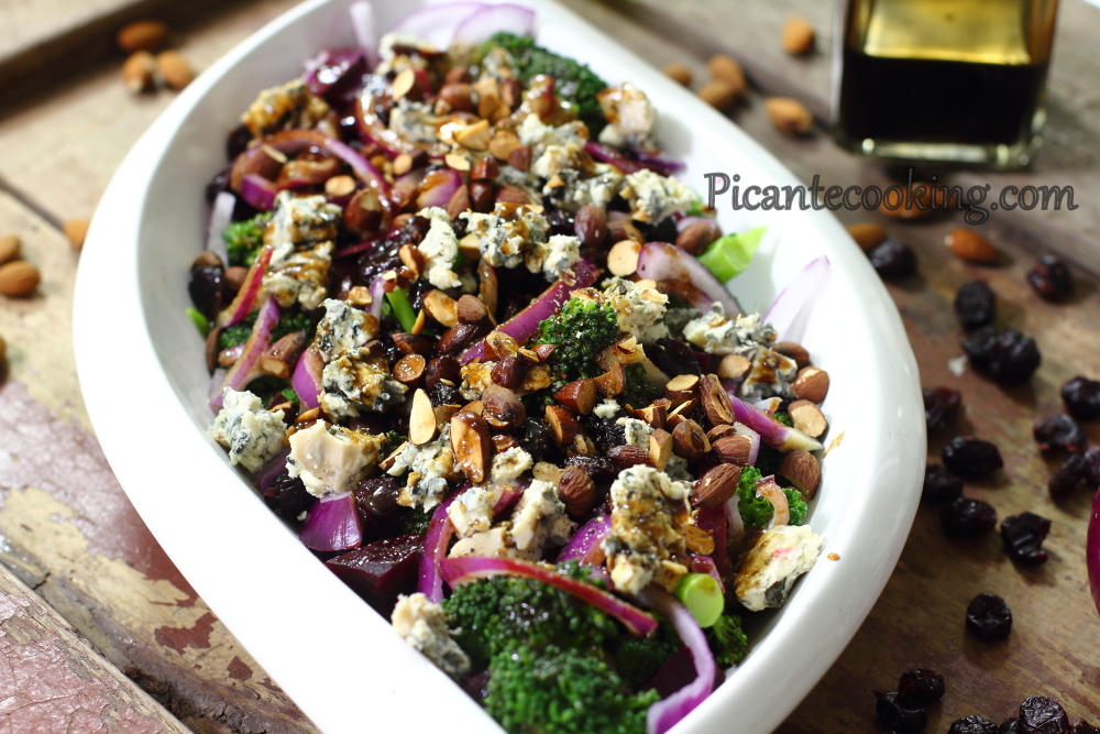 Broccoli salads with blue cheese10.JPG