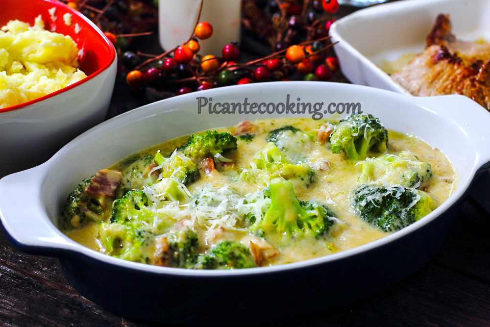 Broccoli_in_bacon_cheese_sauce7-2.jpg