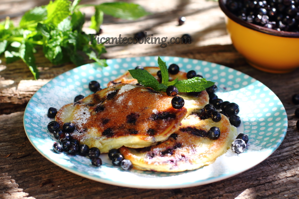 Blueberry pancakes4.JPG