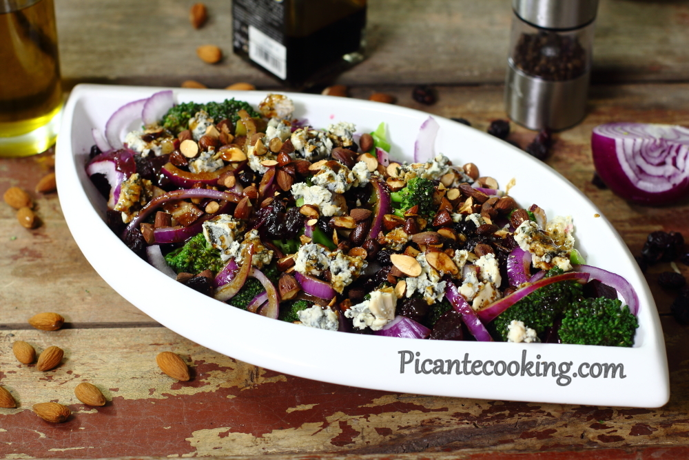 Broccoli salads with blue cheese8.JPG