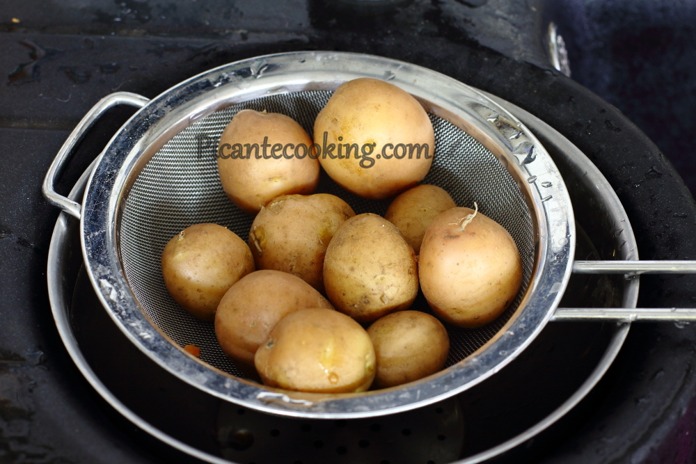 pork cutlets with potatoes4.JPG